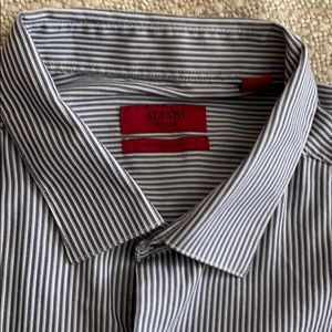 Alfani Fitted Casual Button Down Shirt. Size XL